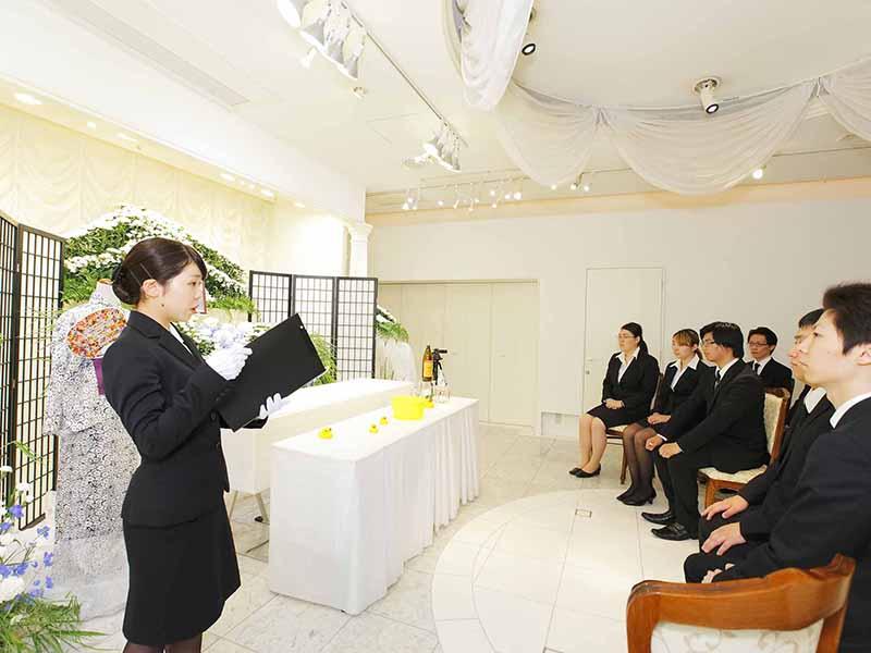 葬儀実習①~お通夜編~ 葬儀の設営準備から進行までを学ぼう!